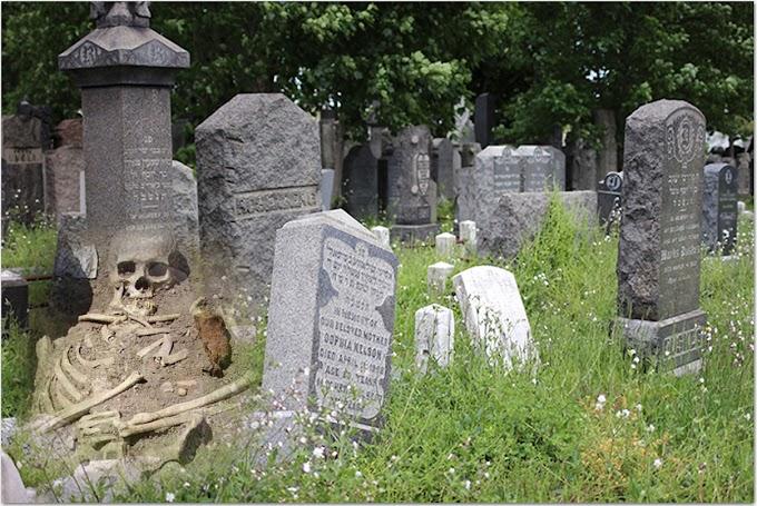 Ladrones saquean lápida en cementerio de Queens destrozando esqueletos de pareja que murió en 1928