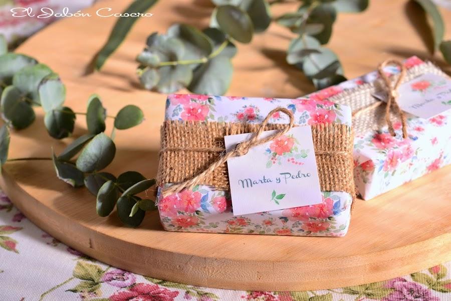 Detalles de boda rustica jabones campestres personalizados