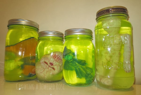 Halloween science for kids- MAD SCIENCE JARS