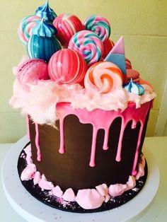 Descubra-o-que-e-drip-cake-e-como-ele-tem-entrado-com-tudo-em-festas-de-casamentos-aniversarios-cha-de-bebe-e-fraldas-infantil