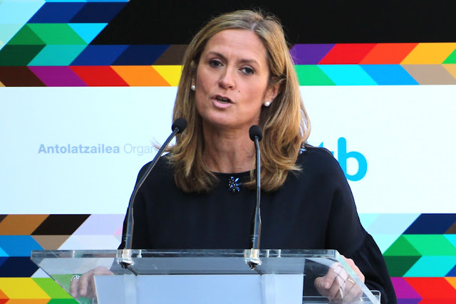 La alcaldesa, en un acto de EiTB en Barakaldo
