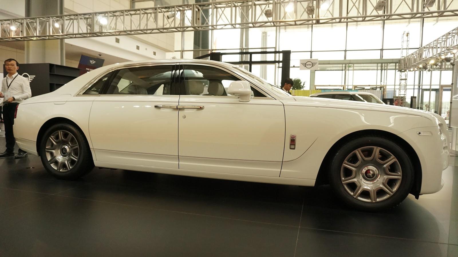 Rolls-Royce Ghost Series II bản màu trắng bóng nhoáng, tinh tế và sang từng góc cạnh