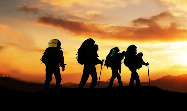mendaki gunung dengan selamat