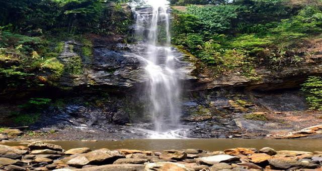 Air Terjun Bidadari terletak di Desa Karang Dalam Air Terjun Bidadari Yang Di miliki Sumatera Selatan