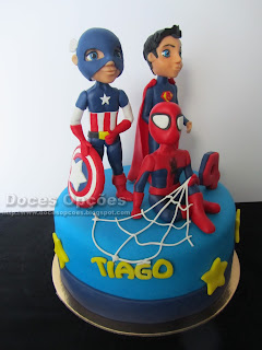 marvel super herois cake