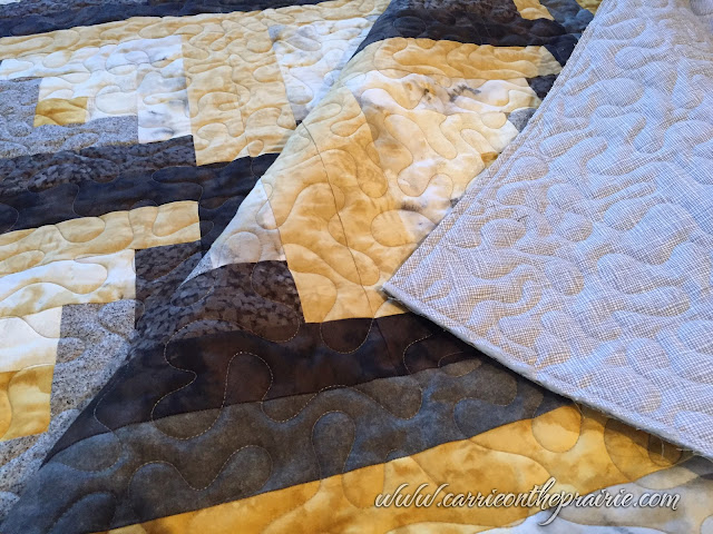 http://carrieontheprairie.blogspot.ca/2016/12/barbaras-mountain-quilt.html