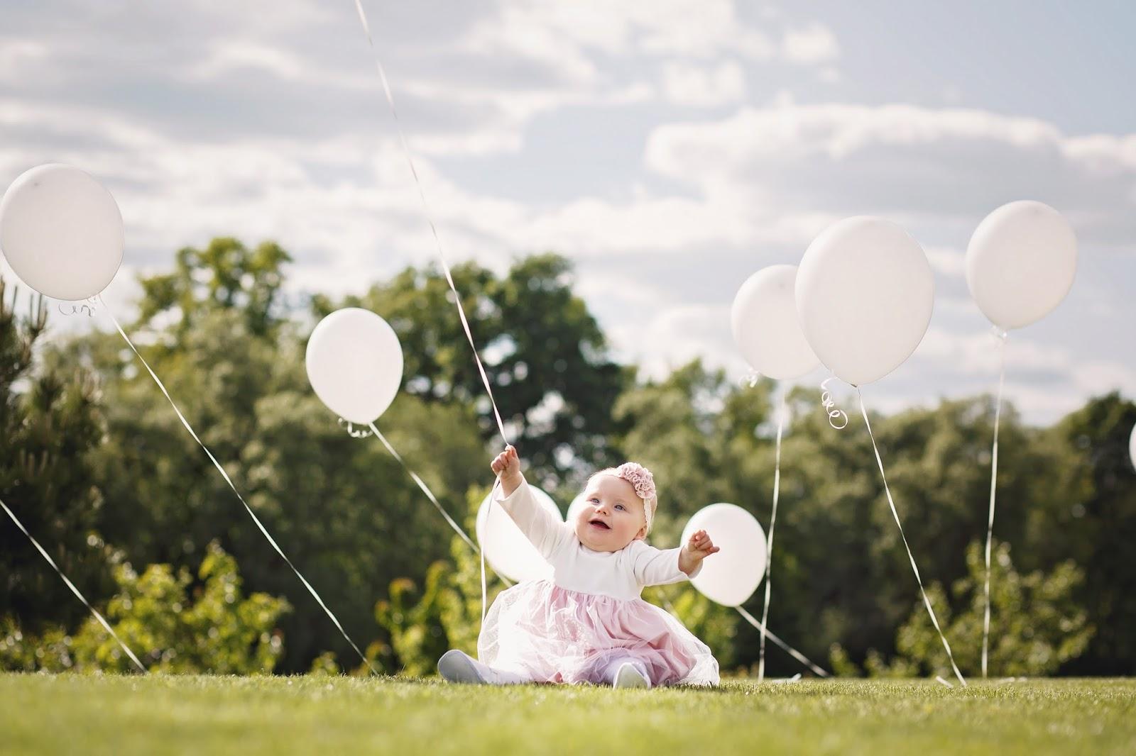 Krikštynų fotosesija su balionais