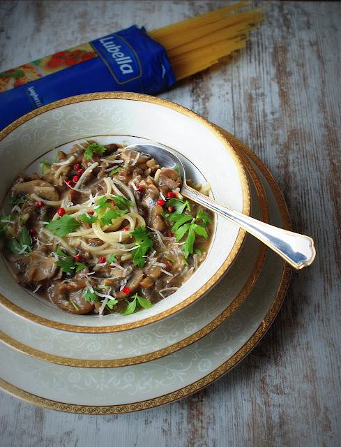 tysiac sposobow jedna lubella,lubella,spaghetti,dania grzybowe,zupa grzybowa,zupa krem z borowikow,cucina italiana,wina wloskie,lubczyk,parmezan,grana padano,brazowe pieczarki,konkurs lubella,