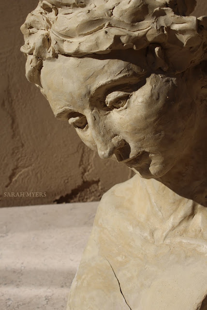 head, woman, sarah, myers, sculpture, art, contemporary, arte, escultura, modern, ceramic, ceramica, face, graceful, tranquil, tranquilo, modern, simple, crack, skulptur, kunst, large, life-sized, long, neck, tilted, design, figurative, close-up, close, detail, three-quarters, view