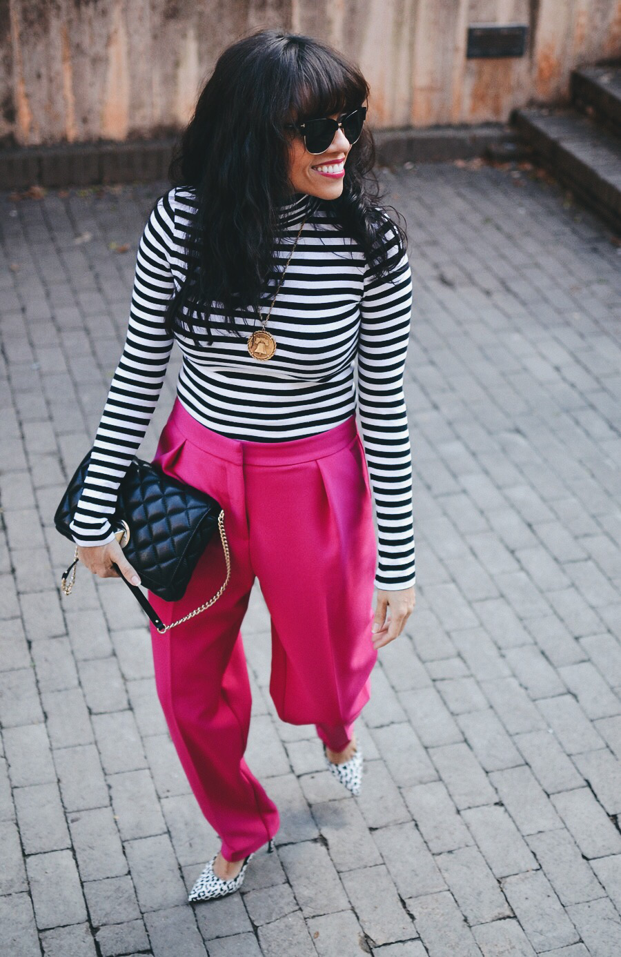 Look with peg pants