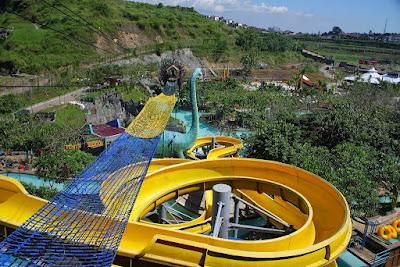 akcayatour, Water Blaster, Travel Malang Semarang, Travel Semarang Malang, Wisata Semarang