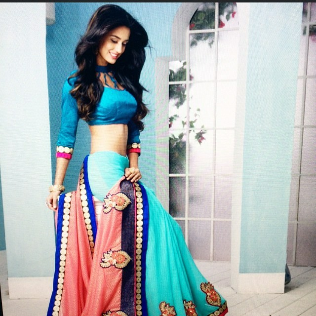 disha-patani-in-beautiful-sari