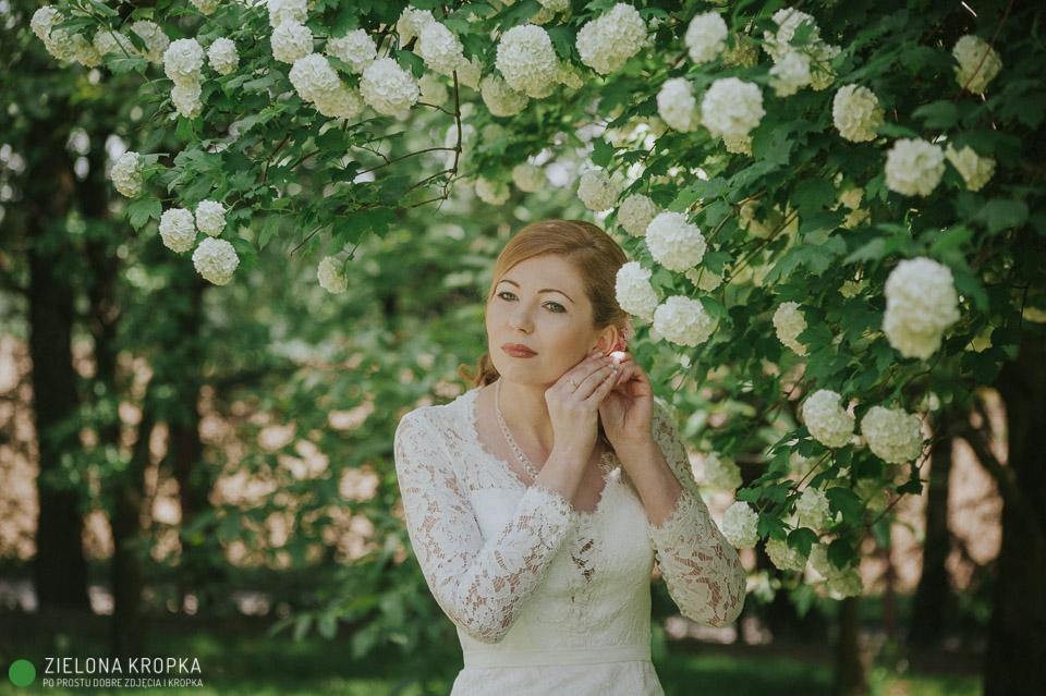 przygotowania-w-ogrodzie-ślub