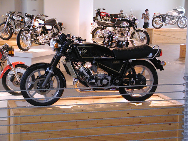 Silk 700S Sabre Motorcycle
