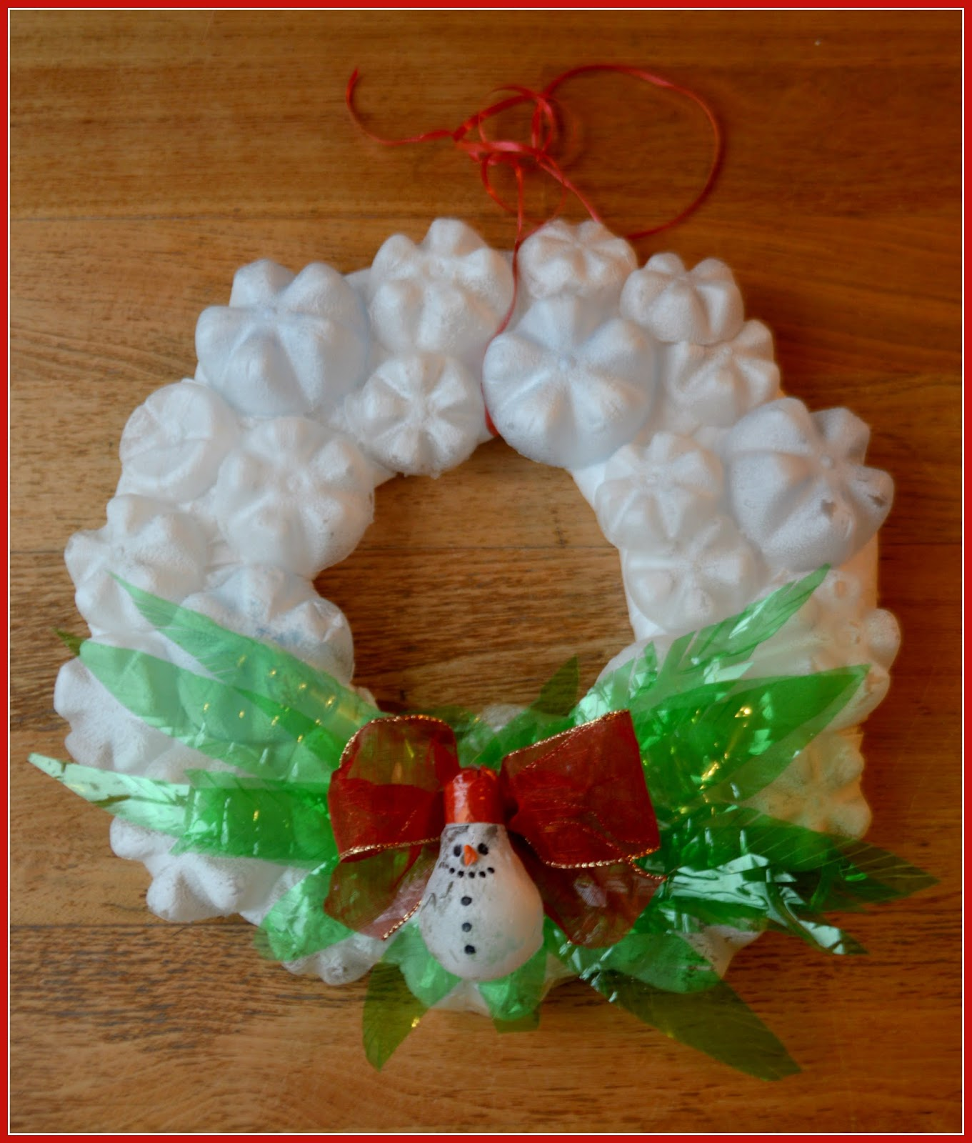 Recycled Plastic Christmas Tree: Creatips@Hand: Xmas Wreath From Recycled Materials