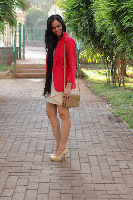 golden dress, party outfit, what to wear to a party, red blazer, jane norman, mumbai fashion blogger, indian fashion blogger, origami dress, H&M Red blazer, long hair, streetstyle, thesecondrow review