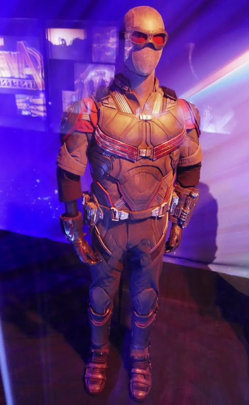 Anthony Mackie Avengers Infinity War Falcon costume