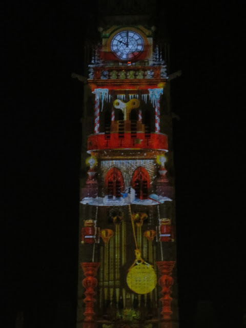 sa musique jouée dans la tour de la paix du Parlement d'Ottawa!