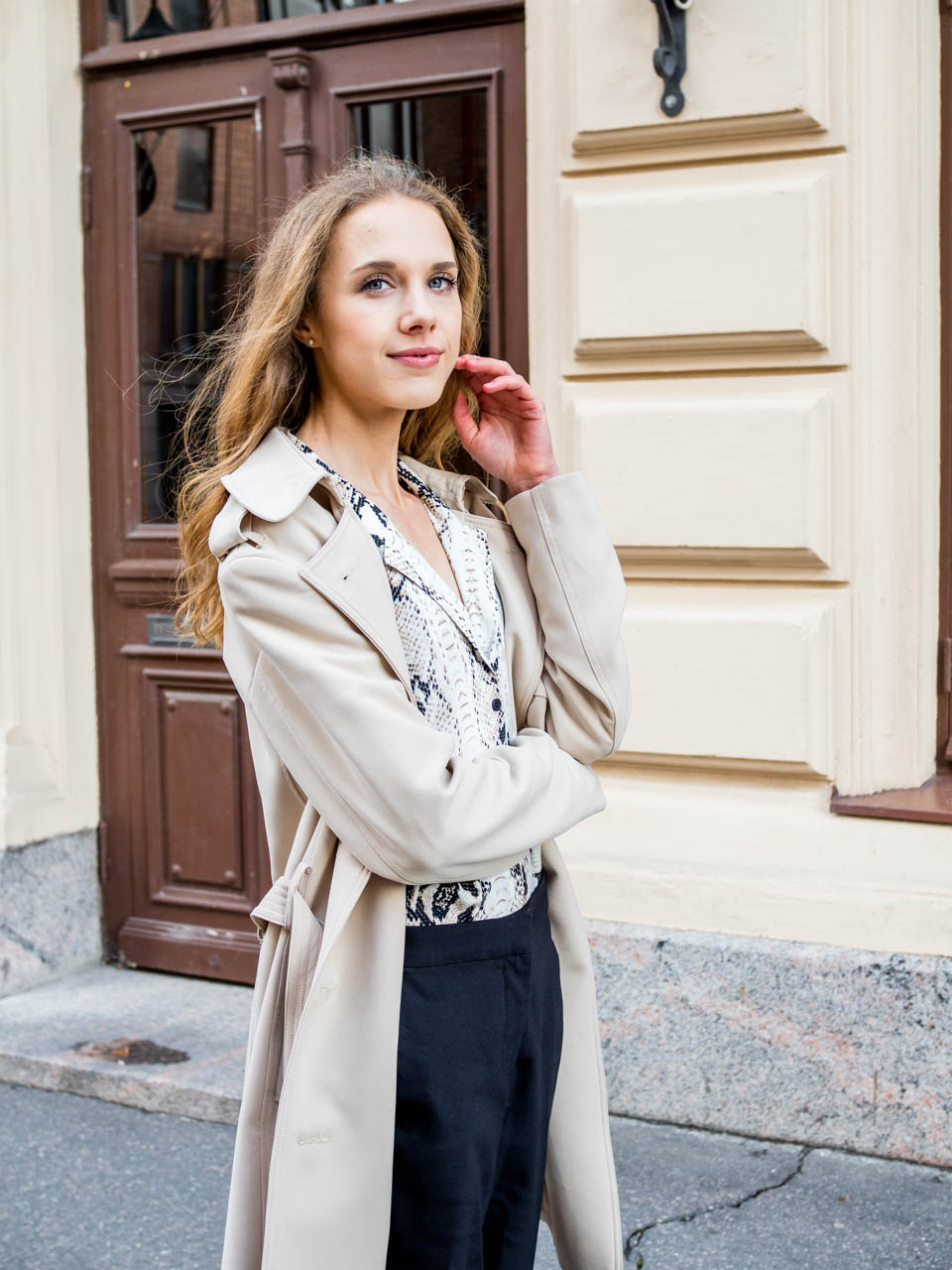 trench-coat-styling-tip-kuinka-pukea-trenssi-modernisti