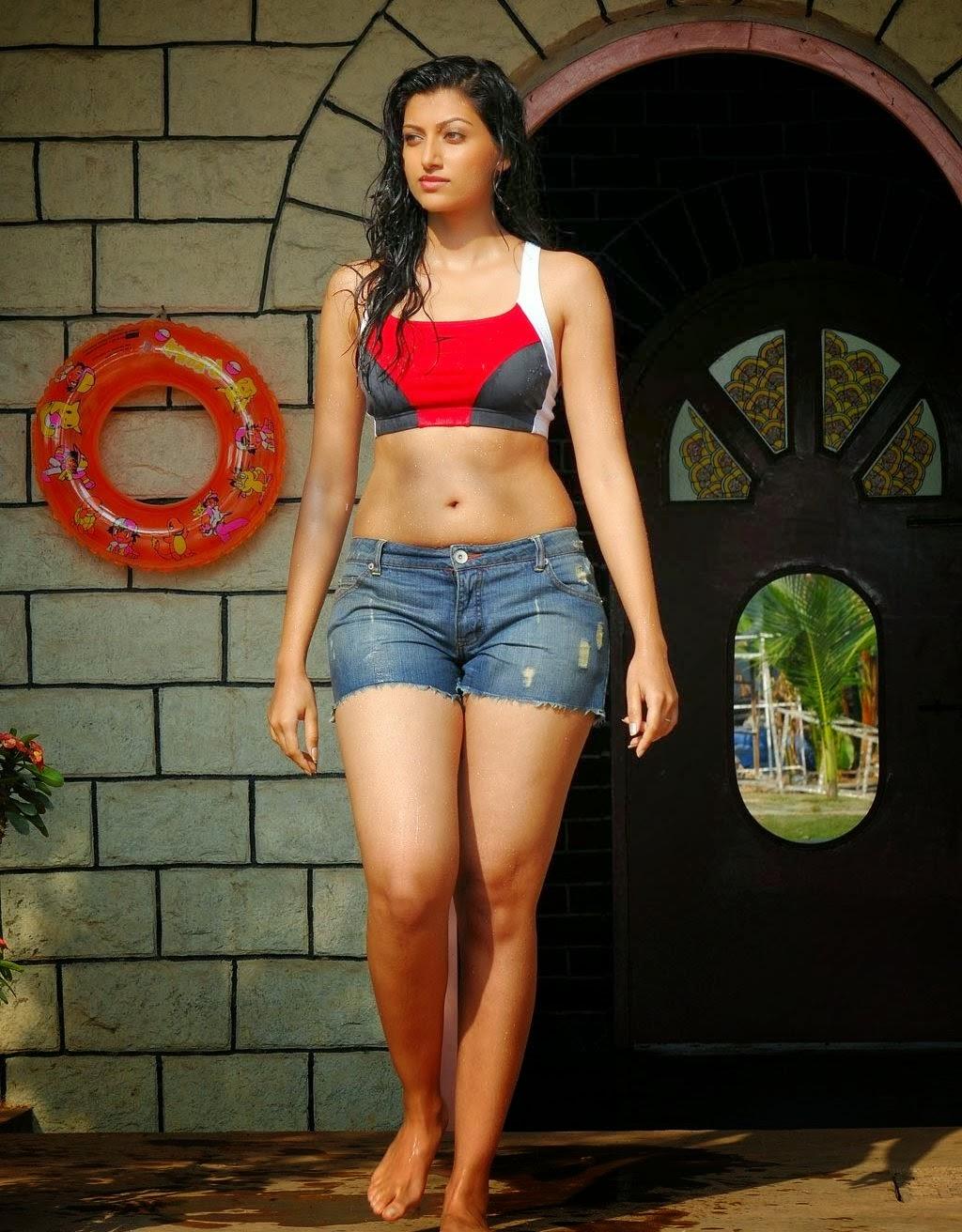 Sexy desi girl in short