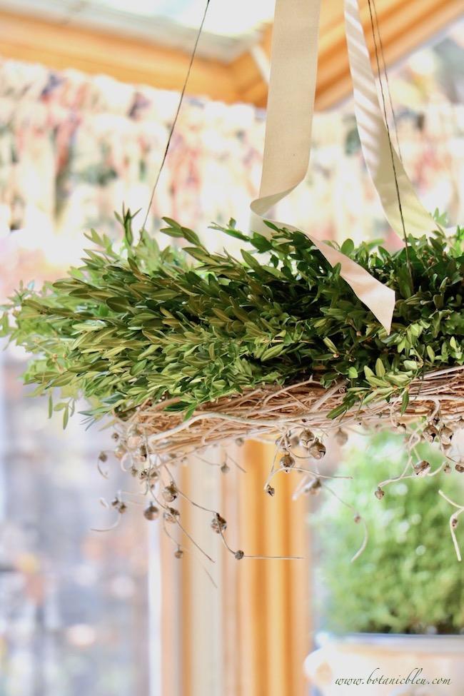 diy-christmas-horizontal-wreath