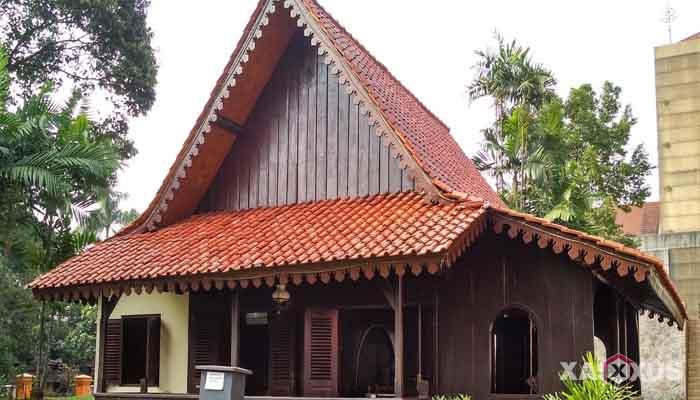 Gambar rumah adat Indonesia - Rumah adat Jakarta atau Rumah Kebaya