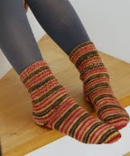 http://gosyo.co.jp/english/pattern/eHTML/ePDF/1102/3w/210-211-42_Socks.pdf