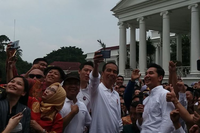 "Hari Sumpah Pemuda, Jokowi ""Sulap"" Istana Bogor Jadi Tempat Nongkrong"