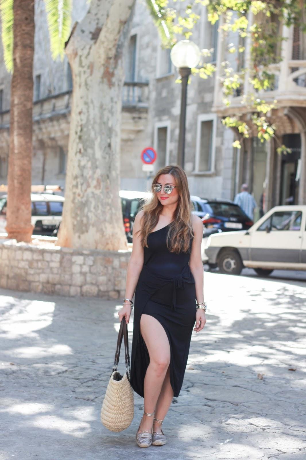 Fashionblogger aus Frankfurt - Mallorca - Blogger aus Mallorca - Fashionblogger - Sommertrend 2016 - Sommertrend - Kleider mit Schlitz - Shoppingqueen