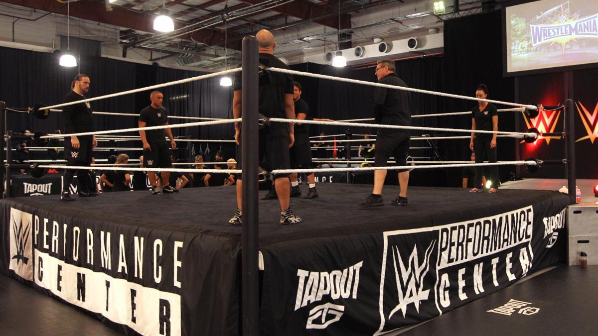 Treinador do NXT acredita que foi demitido pela WWE  devido a comentários sobre o coronavírus