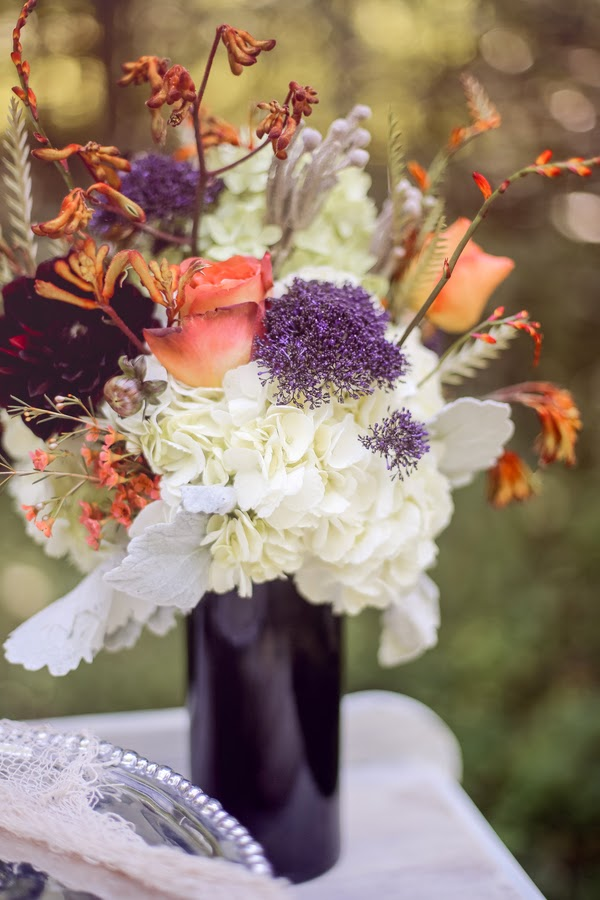 bride+groom+orange+green+violet+purple+lavender+black+halloween+wedding+october+fall+autumn+goth+gothic+day+of+the+dead+dia+de+los+meurtos+nuptials+cake+dessert+table+bridesmaid+bouquet+skeleton+skull+noir+studio+3 - The Other Side