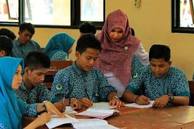 Kemendikbud Menyederhanakan Administrasi Guru