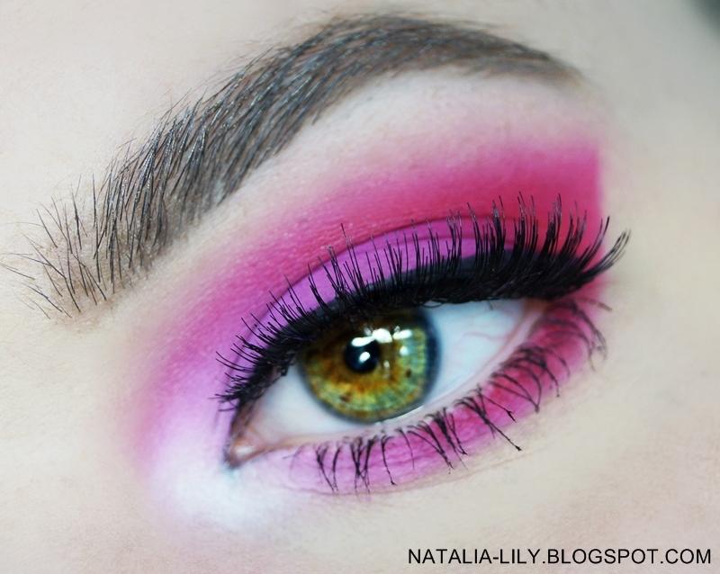 http://natalia-lily.blogspot.com/2014/06/makijaz-oka-intensywna-malina-krok-po.html