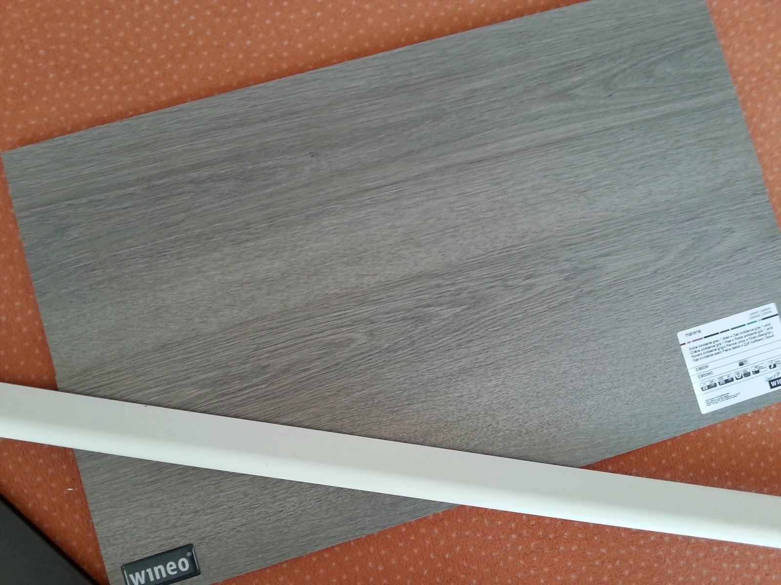 jetzt neue adresse hausbau mit fertighaus weiss blog bautagebuch bemusterung fliesen und laminat. Black Bedroom Furniture Sets. Home Design Ideas