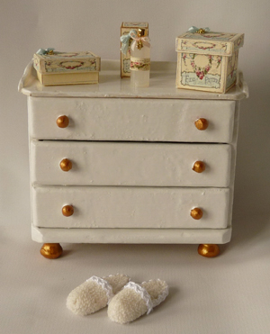 All about dollhouses and miniatures: Ladenkastje voor de badkamer ...