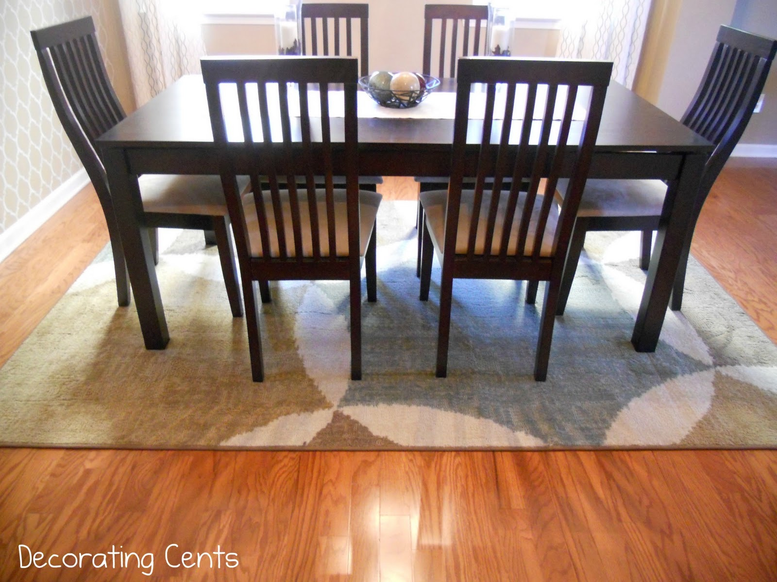 Decorating cents dining room rug for Dining table rug