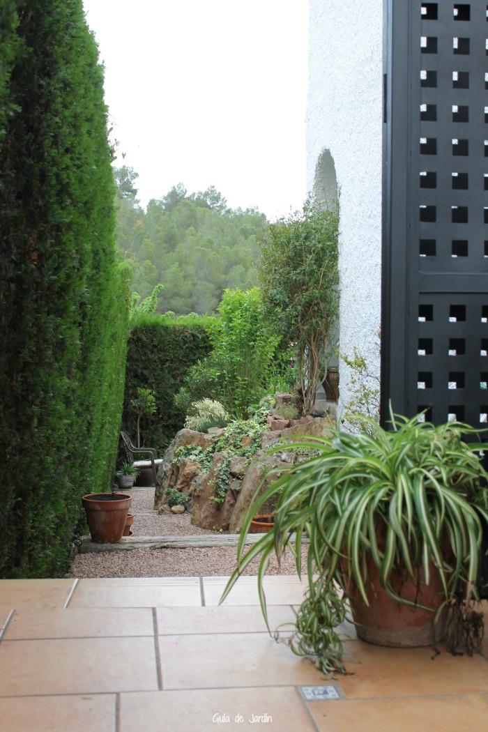 Pintar las verjas de hierro del jard n guia de jardin for Guia jardin noble 2016