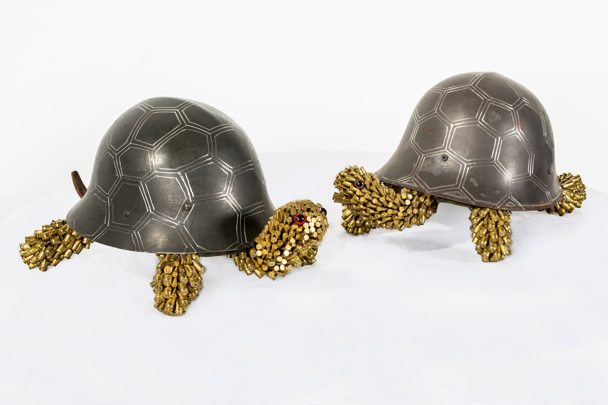 01-Turtles-Federico-Uribe-Killing-it-with-Bullet-Animal-Sculptures-www-designstack-co