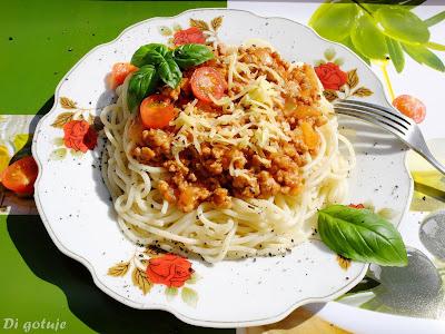 Spaghetti bolognese (na szybko)