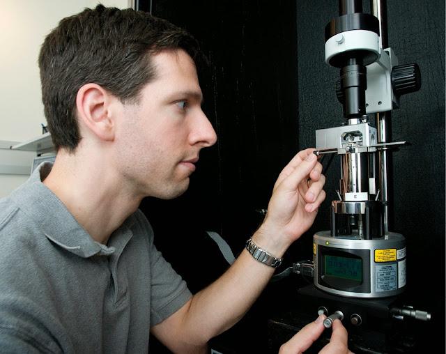 Mikroskop Canggih Yang Mampu Melihat Objek Berukuran 50 Nanometer