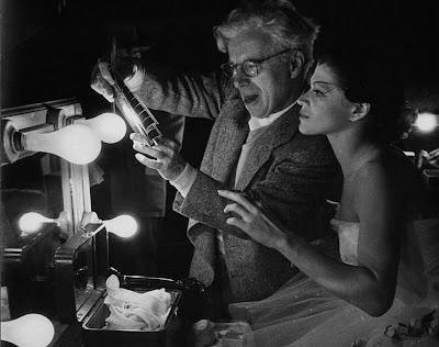 "Чарльз Чаплин и Мелисса Хейден на съемках ""Огней рампы"""