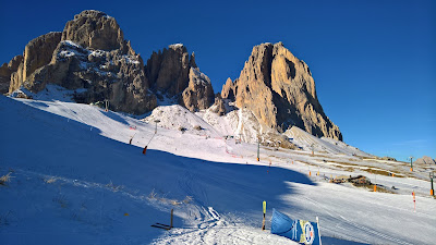 Passo Sella, Canazei ski slopes with Punta Grohman (Grohmannspitze) in the background.