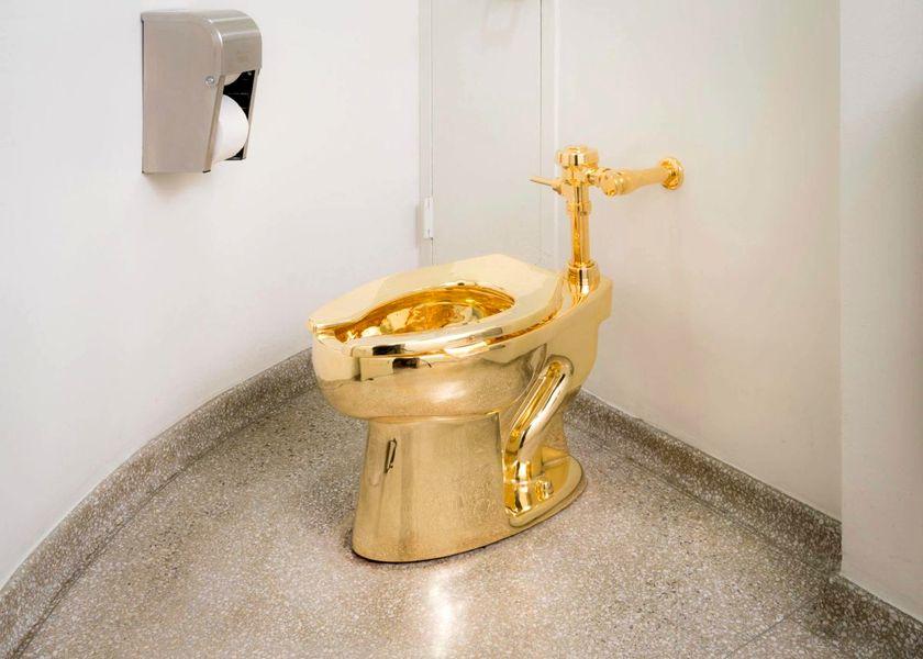 Bồn cầu bằng vàng của Guggenheim 2018