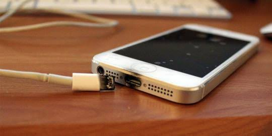 Inilah Kerugian Jika Asal Menggunakan Charger Smartphone