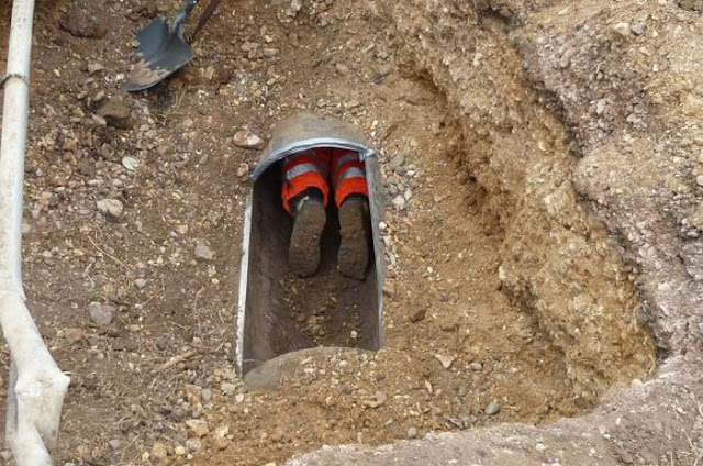 They Heard Strange Noises Coming From A Pipe And When They Looled Inside, They Were All Stunned