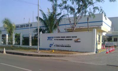 Lowongan Kerja PT Toyota Tsusho Logistic Center Lulusan Baru Min SMA SMK D3 S1 Jobs : Operator Warehouse Logistic / Gudang, Driver Forklife / Operator Standlift (alat berat), Staff Oce Warehouse