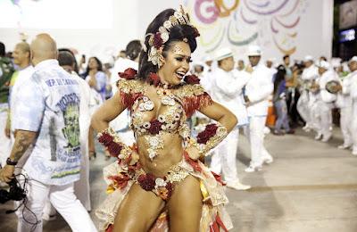 Raíssa Oliveira é rainha de bateria da Beija-Flor — Foto: Marcos Serra Lima/G1