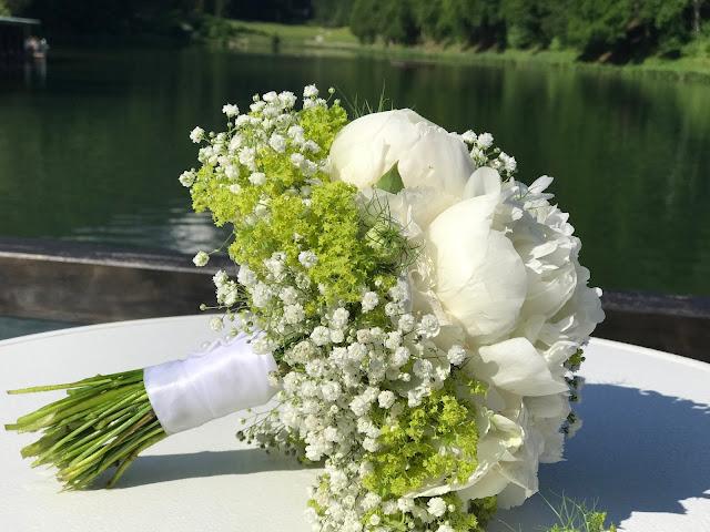 Hochzeit in Apfelgrün und Weiß im Riessersee Hotel Garmisch-Partenkirchen, Hochzeitshotel in Bayern, heiraten in den Bergen am See