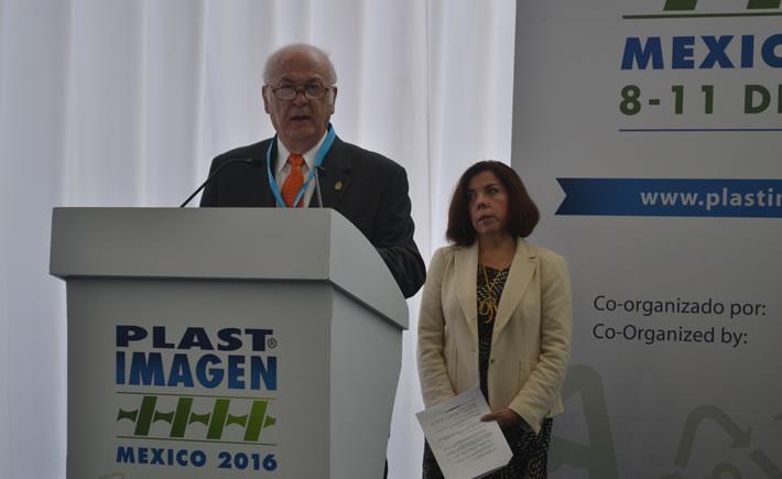 En la inauguración de Plastimagen 2016 participaron funcionarios de las secretarías de Medio Ambiente y Economía, así como el presidente de Anipac, Francisco de Caso. (Foto: VI)