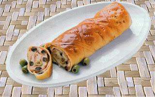 Listo para comer y disfrutar junto a la familia, un delicioso pan muy completo y repleto de ricas combinaciones de sabores